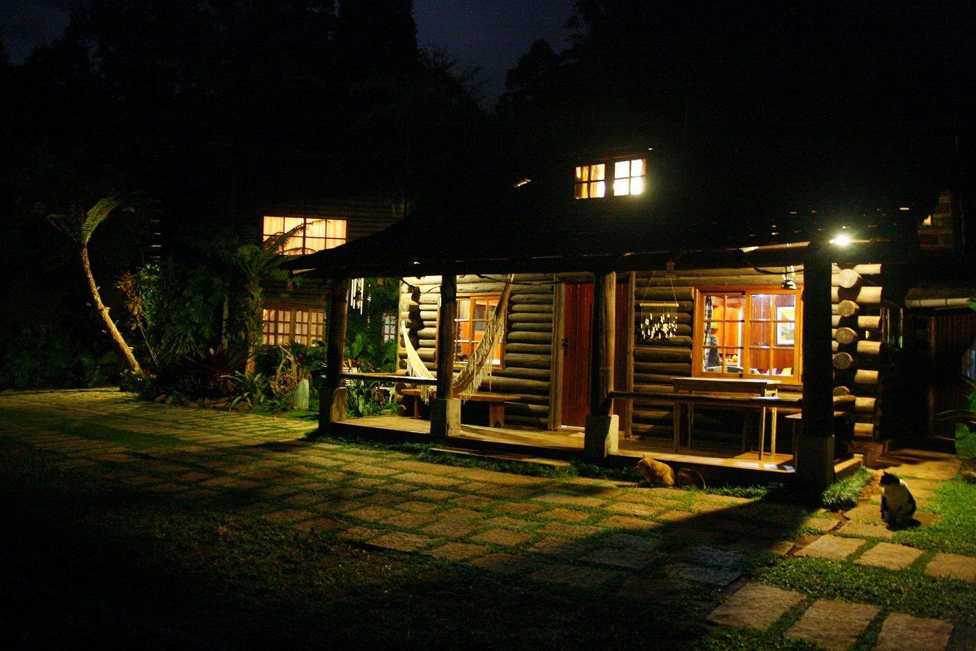 Itororo Ecolodge by night